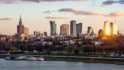 warsaw-skyline-at-sunset-poland--72491.j