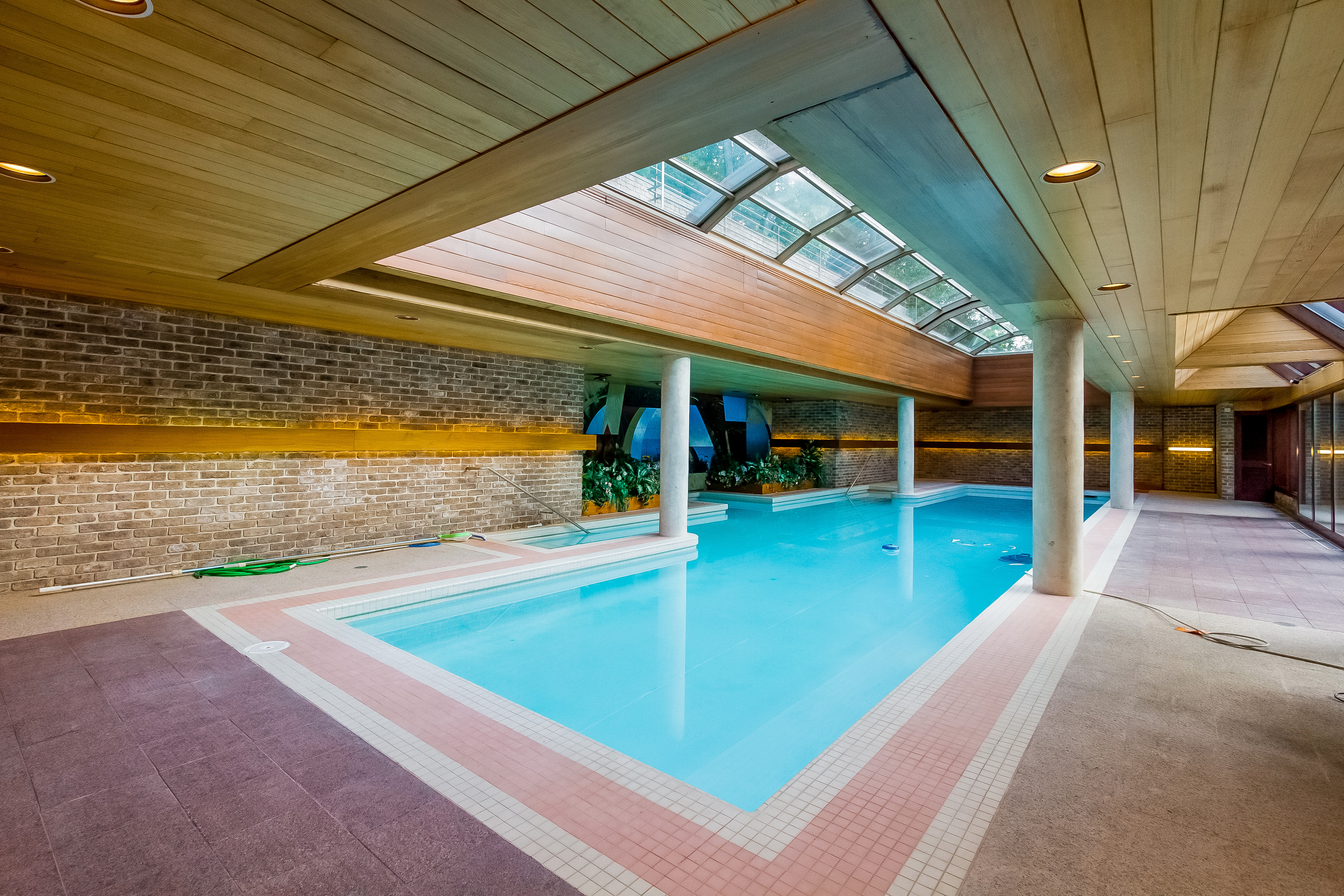 057-Indoor_Pool-4840844-large