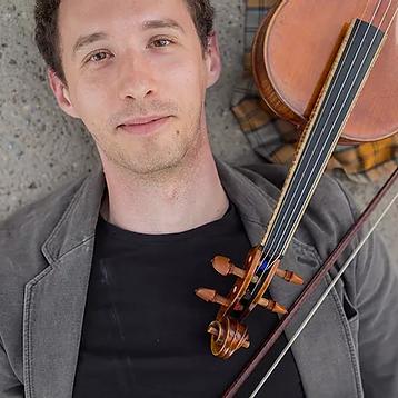 Lukas Kmit, Viola.webp