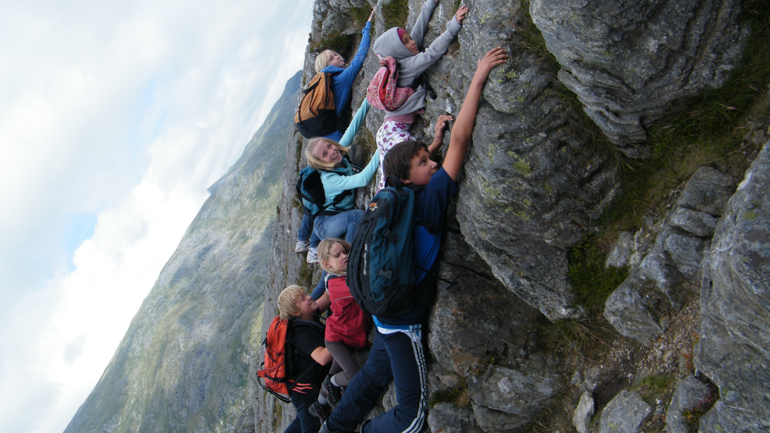 Lily & her cousins on Tryfan