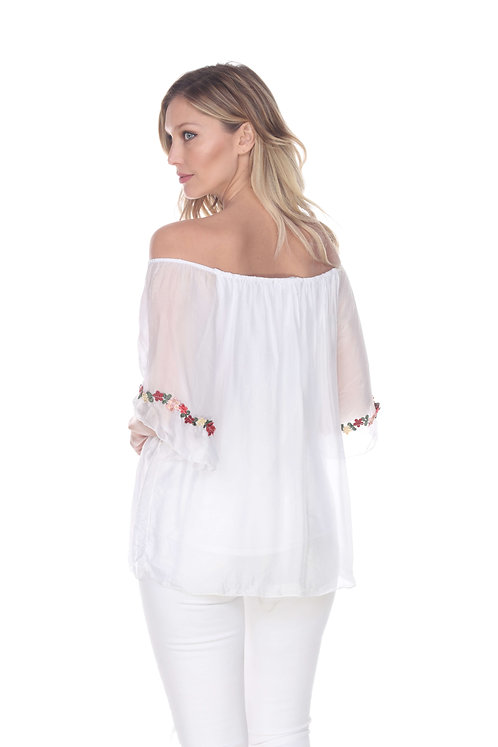 Silk blouse w elastic neck line and embroidery detail on ¾