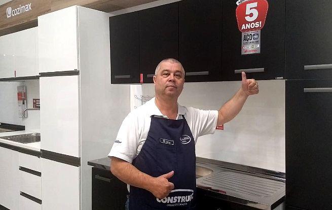Wilson Roberto, vendedor da loja Construfic, da cidade Avaré-SP