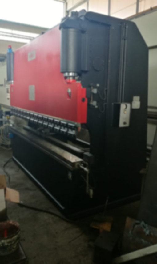 piegatrice romec 3000 mm x 110 ton