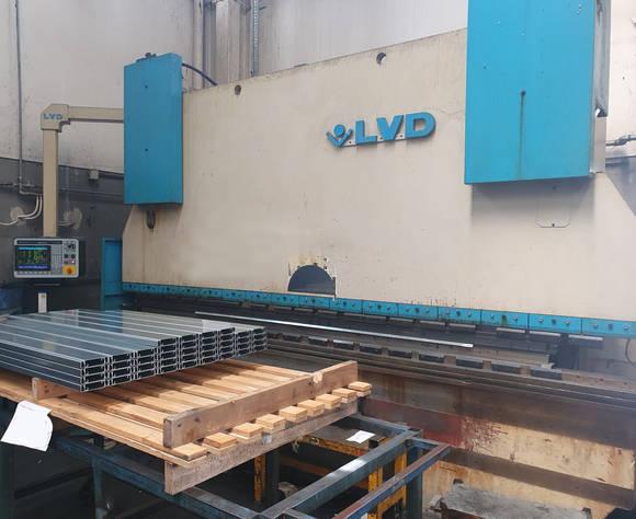 CNC ohýbací stroj Lvd PPEB 220 t x 4000 mm