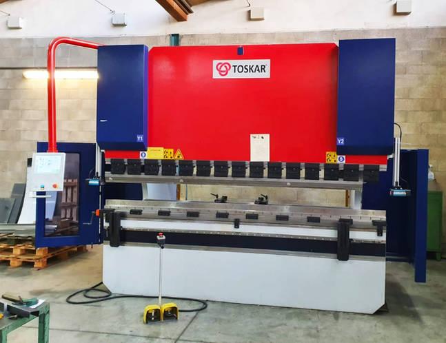 μηχανή κάμψης toskar 3100 mm x 175 τόνοι .jpg