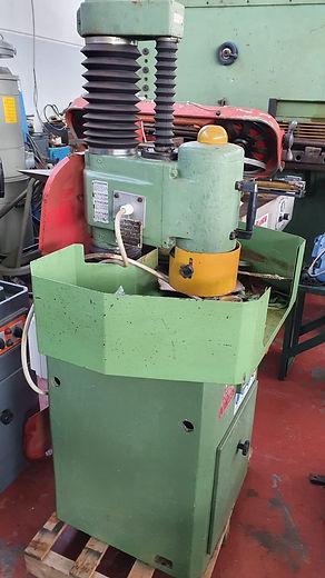 Lapidello Delta lb 300  Superficie rettificabile 140 mm x 330 mm Distanza fra asse colonna