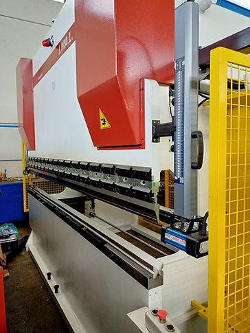 piegatrice Imal 3000 mm x 100 ton  .jpg