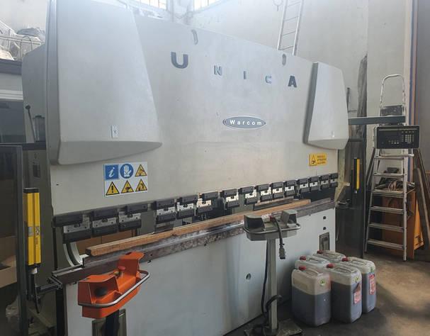 Warcom hydraulický ohýbací stroj mod. Jednotlivé 50-30 3000 mm x 50 tun