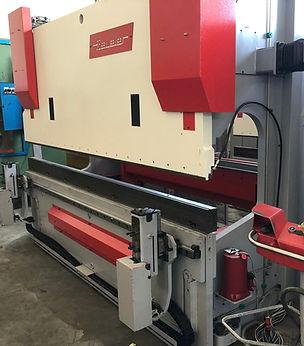 Piegatrice Beyeler 3000 mm x 150 ton