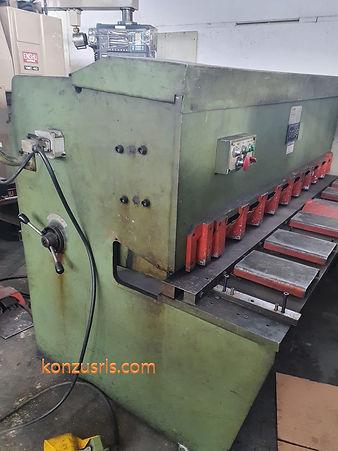 Cesoia idraulica OMAG 2000 mm X 4 mm CI