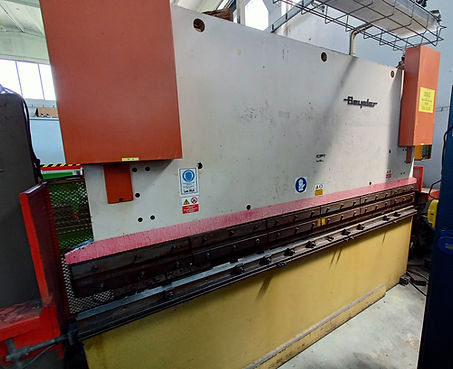 piegatrice Beyeler 3000 x 100 ton.jpg