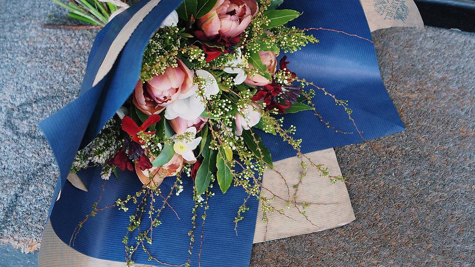 Bouquet gift wrap