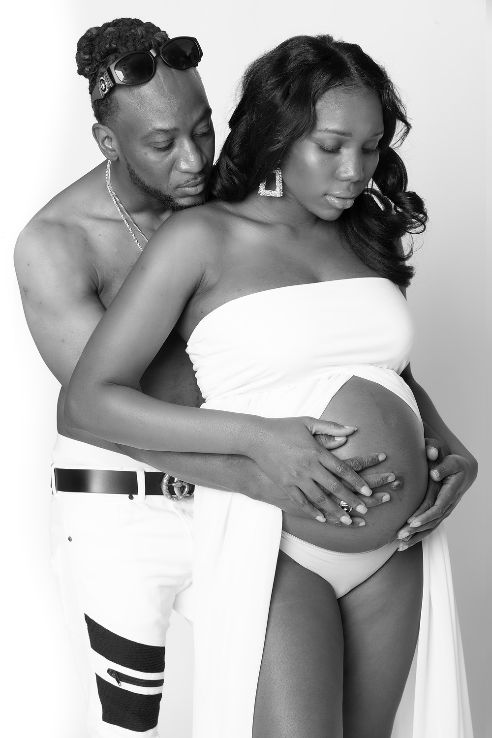 Maternity Photoshoots for the Whole Family www.talsstudio.com/maternity  (646) 300-2216 Celebrate this wonderful moment with a creative maternity shoot in our NYC studio. With our unique style and lighting abilities we are able to make your photos stand out from the rest. Book online today!  $249 2 Hour Session 15 Final Retouched Photos 100-120 Pictures Unlimited Poses Unlimited Outfit Changes High Resolution Perfect for Printing Online Gallery for Proofing Extra - Professional Hair and Makeup Artist* Full Usage Rights Photographer - Yoni Levy / Tals Studio