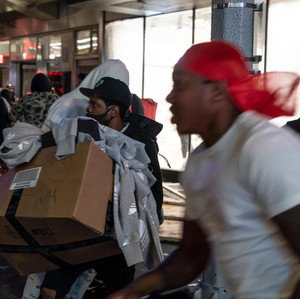 Protests turn into looting and destructions in Manhattan before first curfew imposed