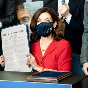 GOVERNOR Kathy Hochul 1.jpeg