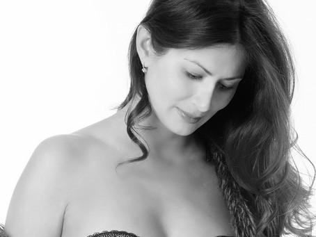maternity Photographer based New York   Luxury studio