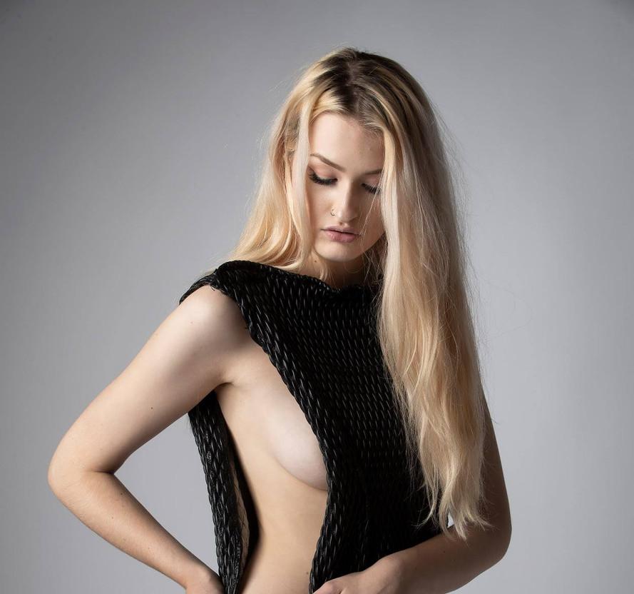 2 Model- Angelika Ratuszynska tals studi