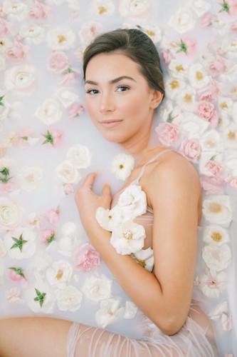 Boudoir Glamour Bathtub Photoshoot Tals Studio