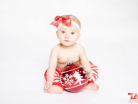 NYC Newborn Photographer - Holiday Photo Session
