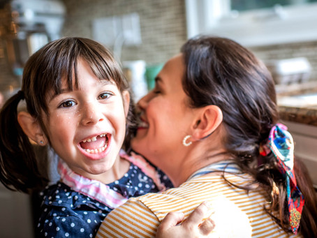 Top 5 Reasons to Have Your Family Session at Home