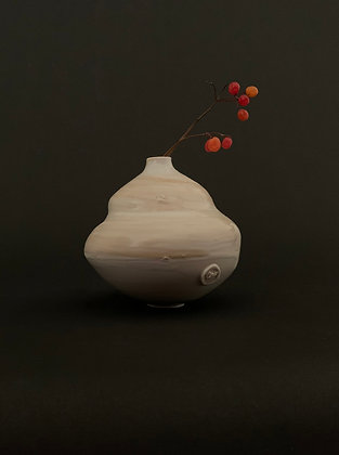 Female inspired curved porcelain vessel -RWH11