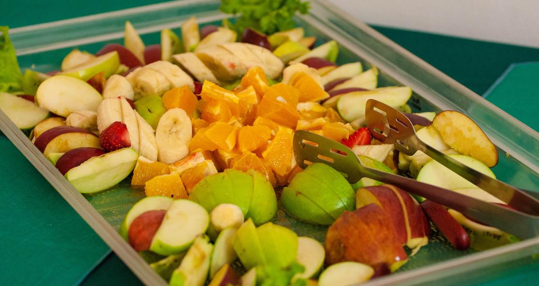 Mellommåltid med frukt og mer