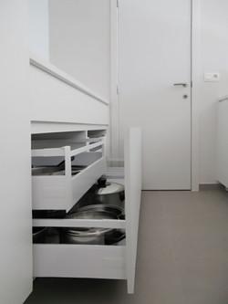 08. LRM keukenlade