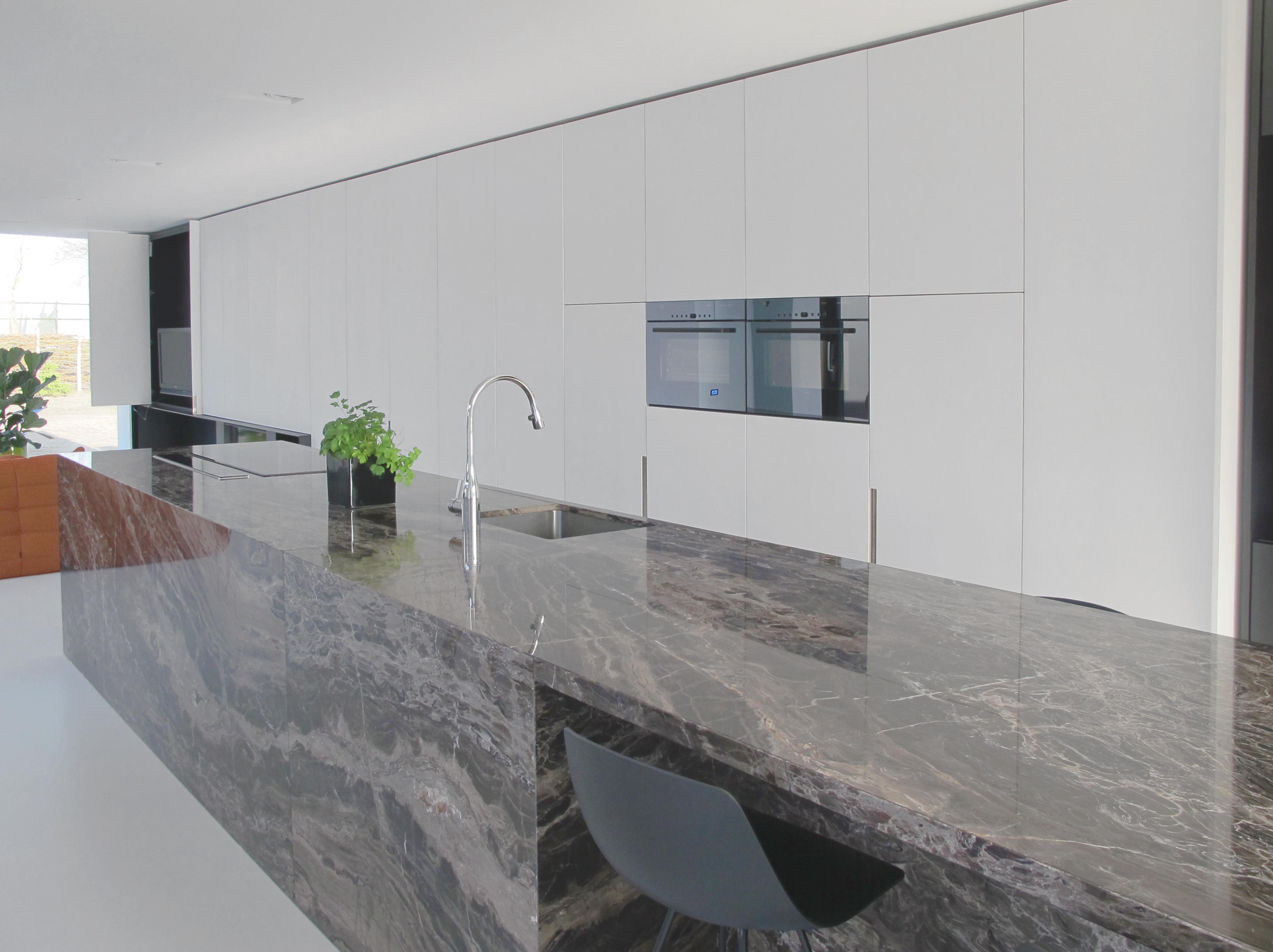 keukeneiland en keukenwand 1