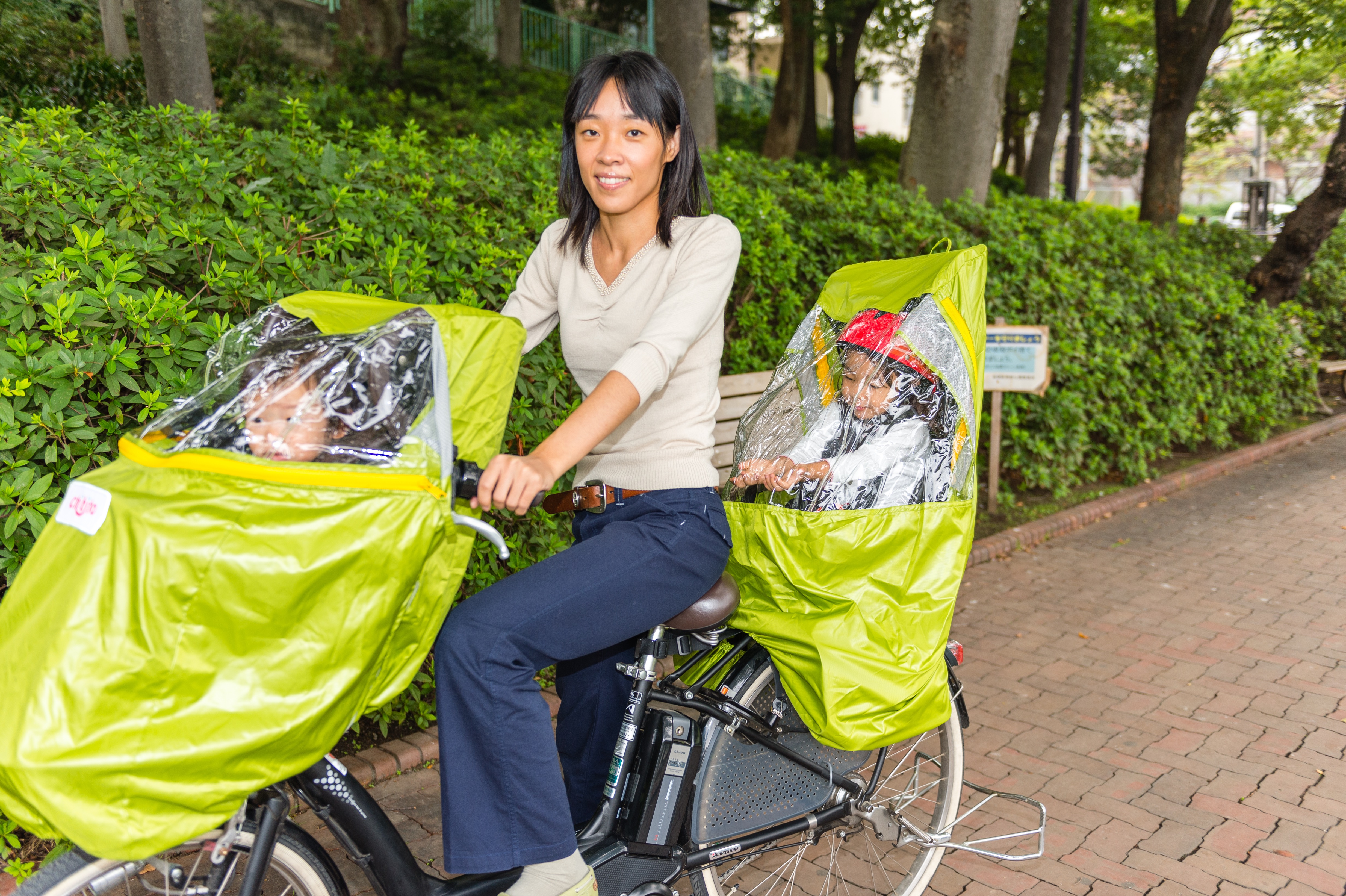 自転車レインカバー 親子モデルさんと