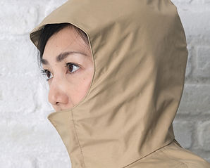 顎までしっかり覆うフード(chibitoポンチョ)