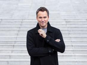 Garrett Keast returns to the Elbphilharmonie Hamburg