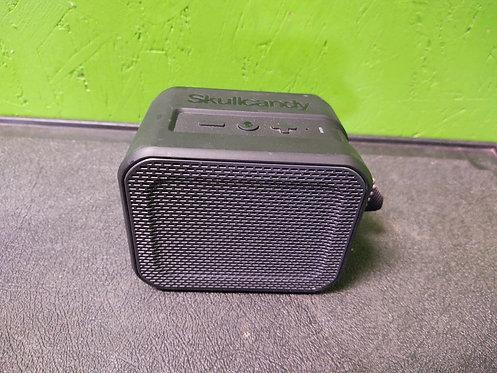 Skullcandy S7PCW Barricade Bluetooth Speaker