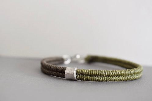 Land bracelet