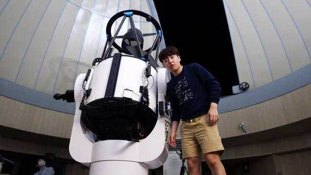 4억 5천만원 망원경으로 하늘을 봤더니...
