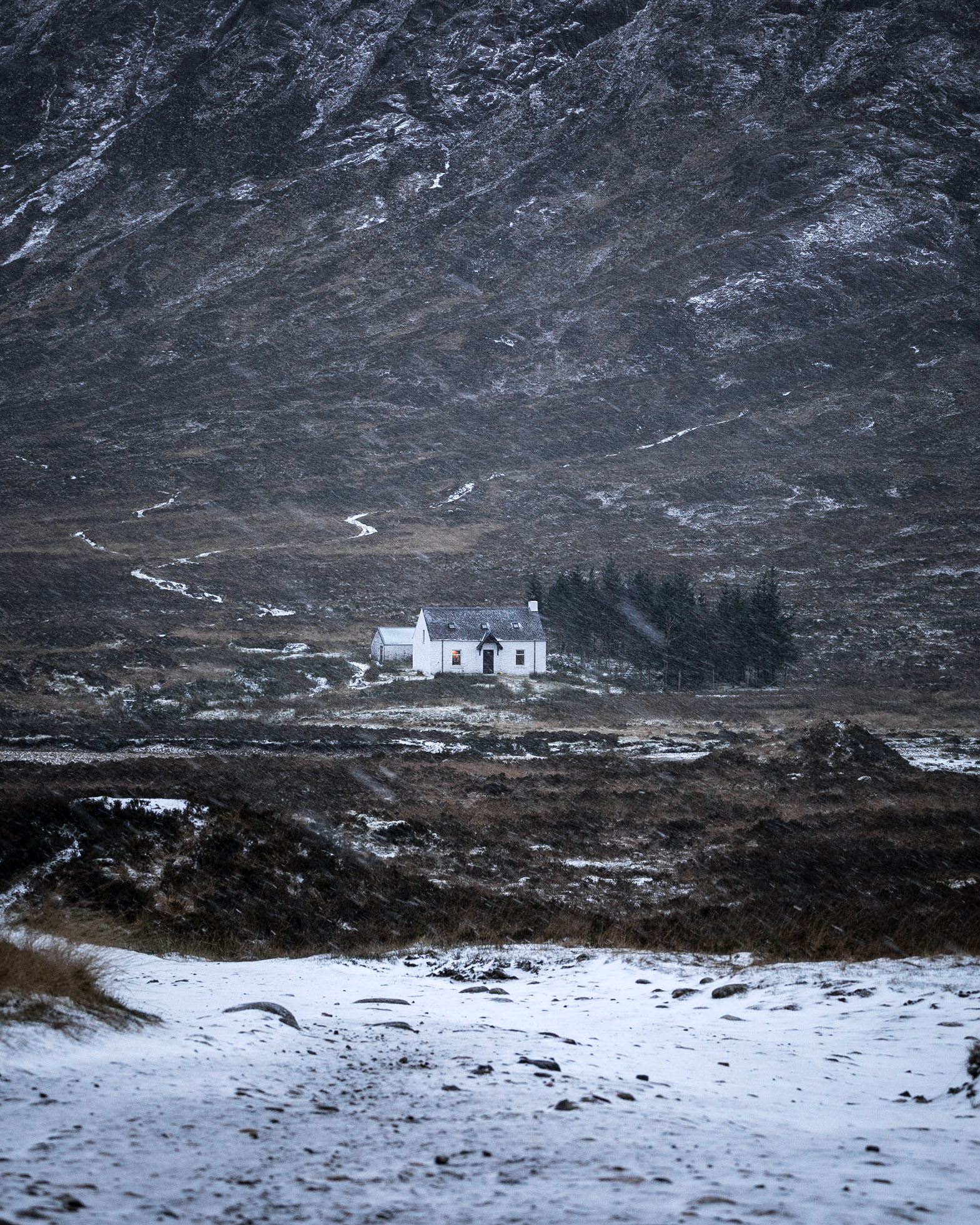 Cottage snow - Glencoe