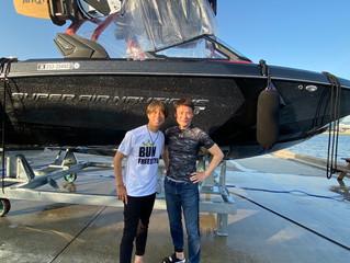 フェラーリクラブ会長の川崎さんがウェイクサーフィンにお越し下さいました🏄♀️