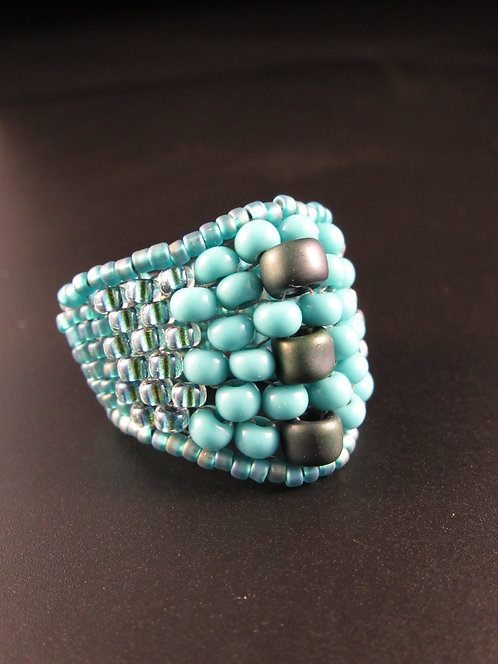 Large Center Bead Ring