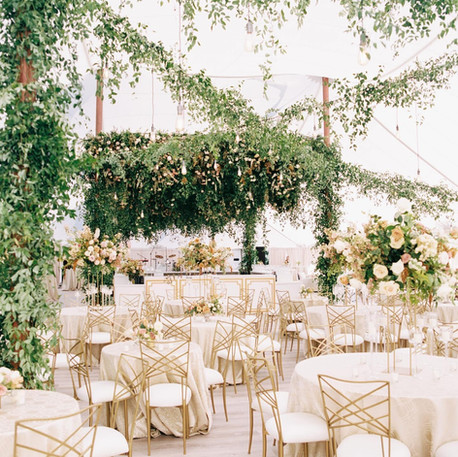 MUM'S WEDDINGS