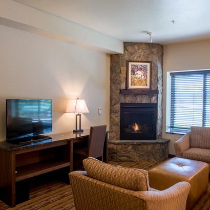 Fireplace Suite 1 King - XK1F (3).jpg