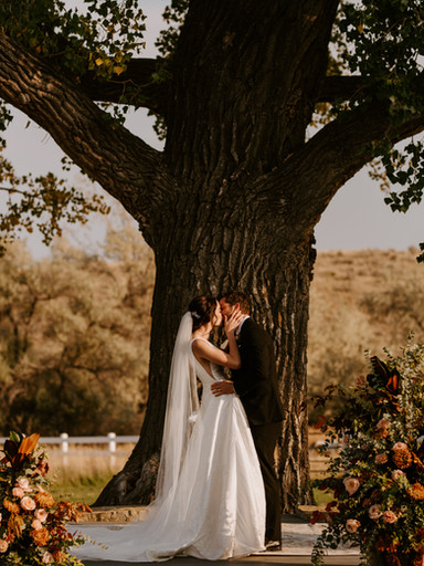 Stunning Fall Wedding in Billings | Maddie + Kyle