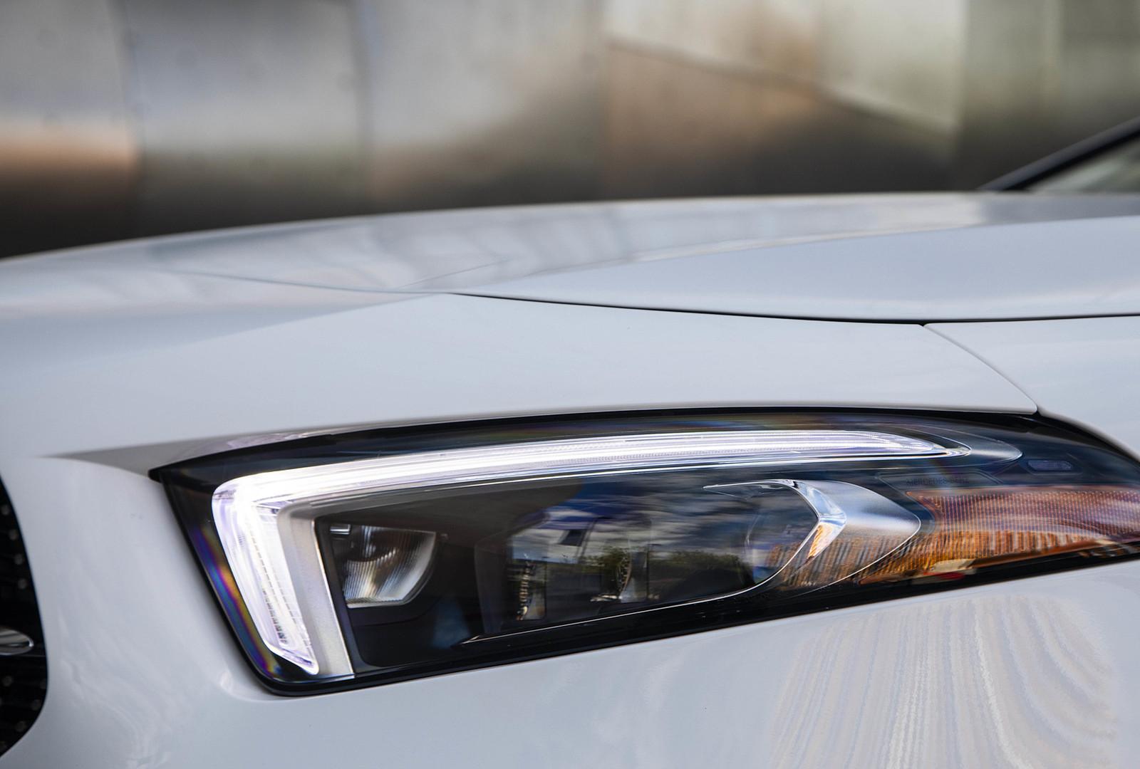 Mercedes-Benz-Jakarta-A200-Sedan-3.jpg