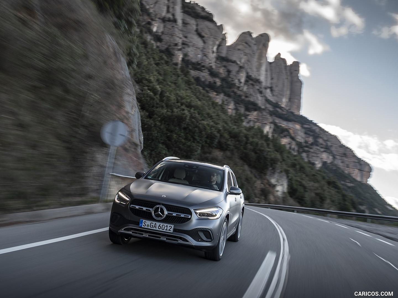 Mercedes-benz-jakarta-gla-200-2020-7.jpg