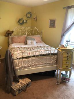 Yellow Garden Room