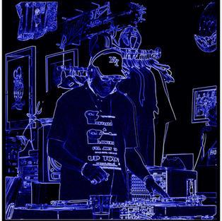 DJ CHIPS NEON EFFECT