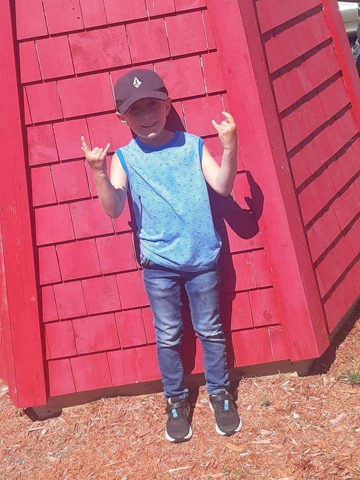 Mon petit démon à 7 ans, en voyage à La Martre (Gaspésie)