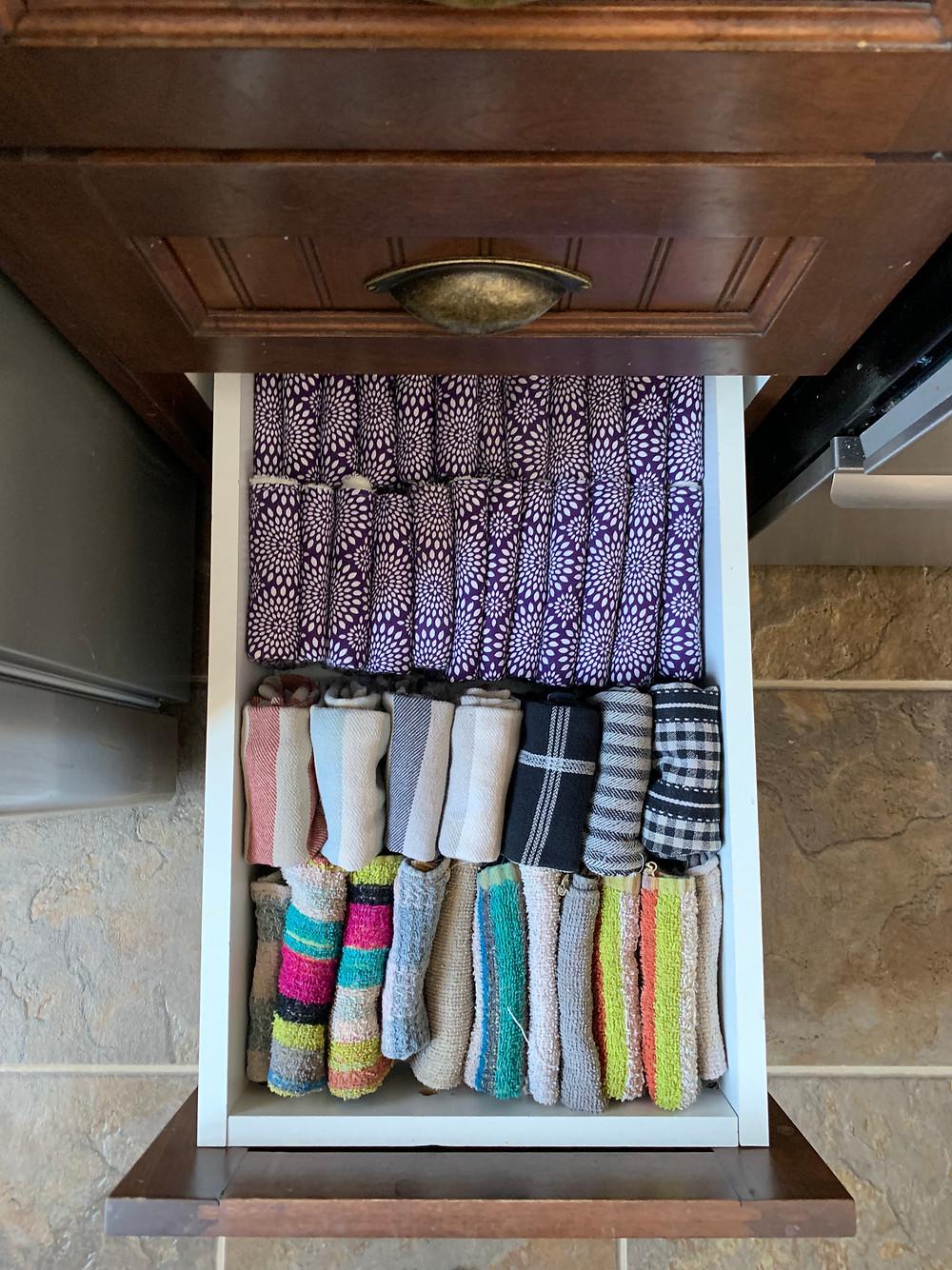 Guenilles devant, linge à vaisselle ensuite, et les essuie-tout pour terminer!