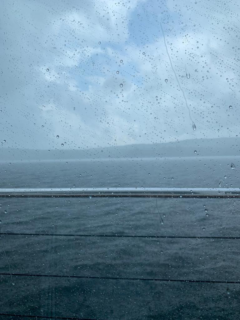 La vue de ma place, grosse tempête, on est plus en sécurité à l'intérieur!