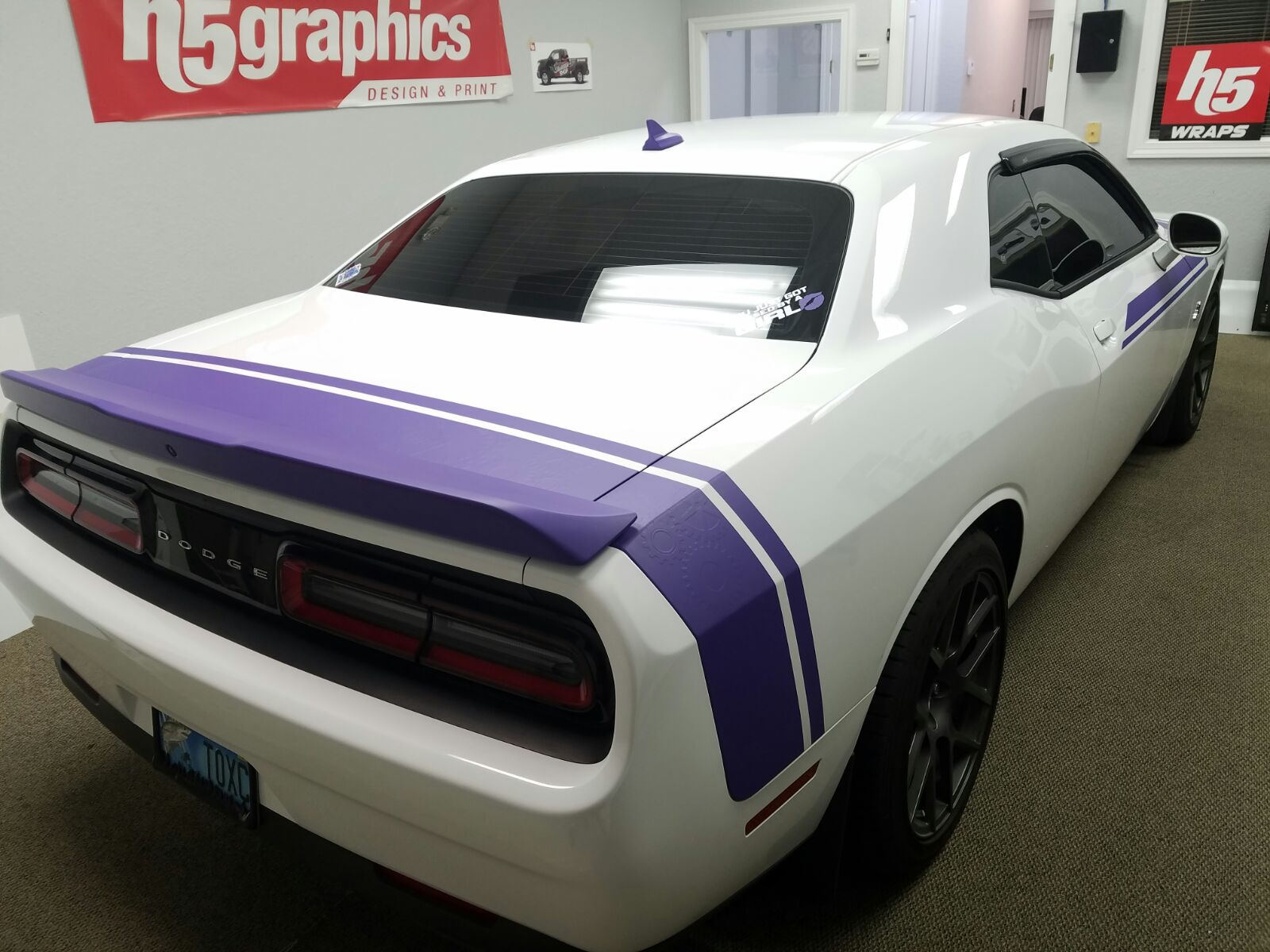 Dodge Challenger Strips 2