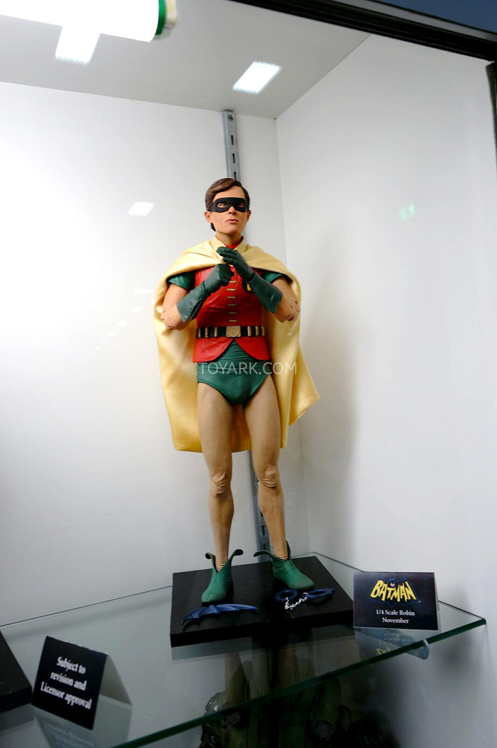 SDCC-2014-NECA-Quarter-Scale-Figures-009.jpg