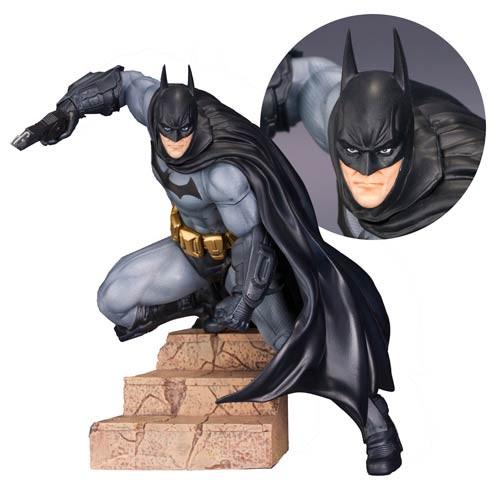 Batman Arkham statue.jpg